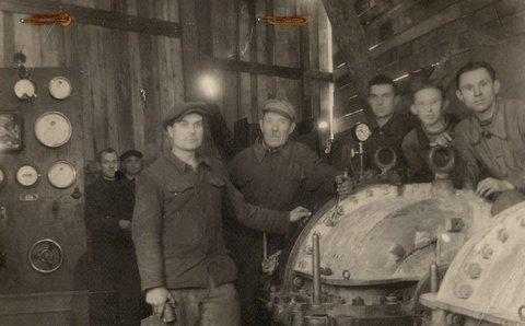 10.10.1944 r. popłynął prąd. Robotnicy przez trzy miesiące pracowali nad uruchomieniem zniszczonej elektrowni